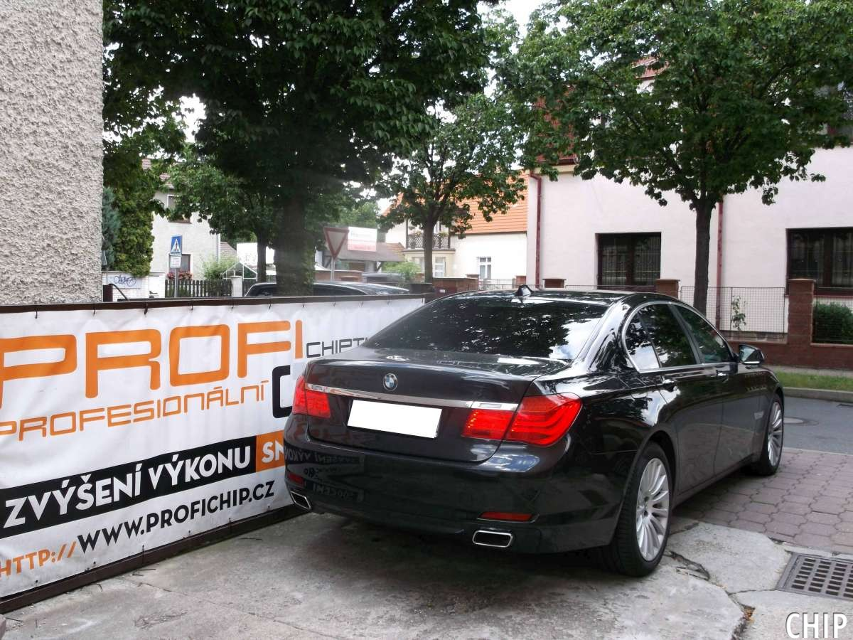bmw 740d xdrive back