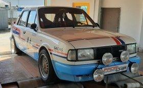 Měření na válcové zkušebně po úpravě výkonu závodního speciálu Škoda 130 LR z roku 1985.