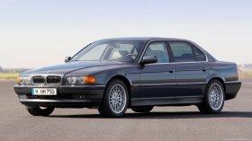 BMW 7 E38 - 750i, 240 kW